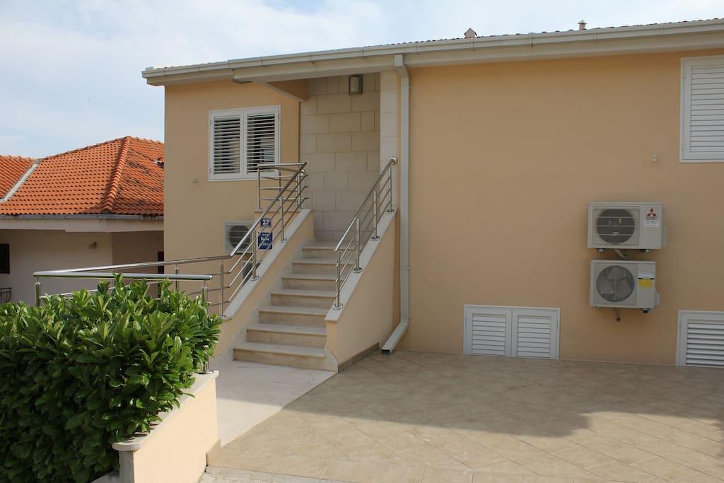 separate apartment entrance