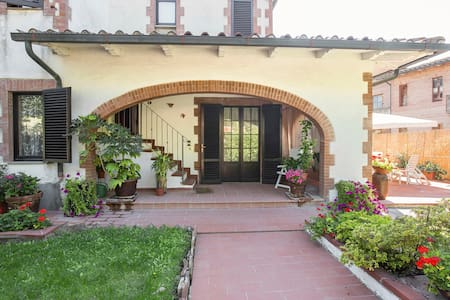 Gigliola's House - Tuscany - Siena - Monticiano - วิลล่า