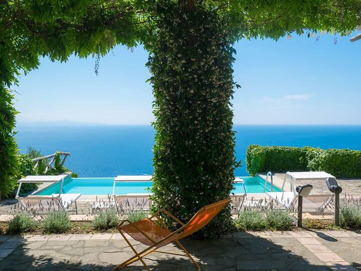 Villa Raffaella with Private Pool, Sea View