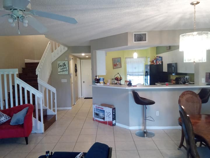 Cozy-Relaxing - ROOM - Close to Beach- FLL