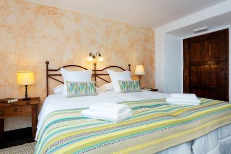 Hb Doble vistas con desayuno - Fogars de Montclús - Bed & Breakfast