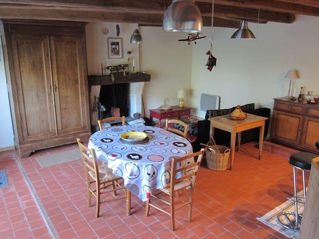 7 Port Launay (rue JJ Audubon) - Couëron - House