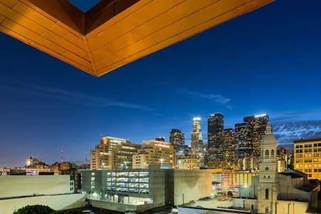 Perfect DTLA Location for Foodies & Culture Buffs - Los Angeles - Lägenhet