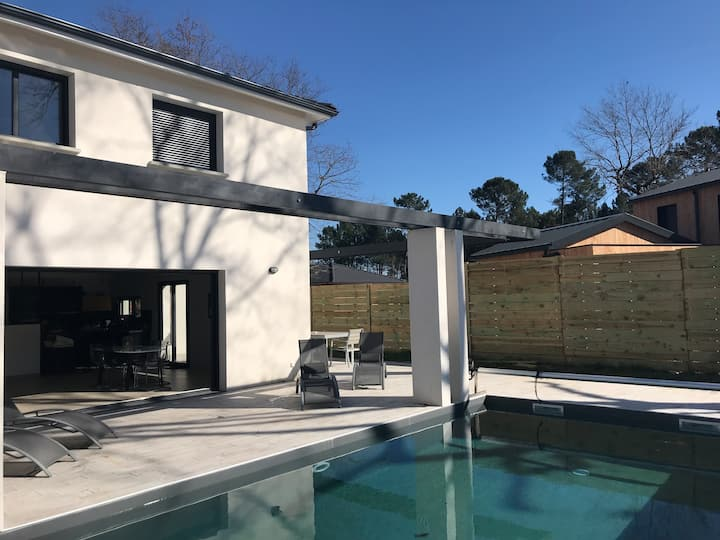 Villa with heated pool between Bordeaux & Ocean