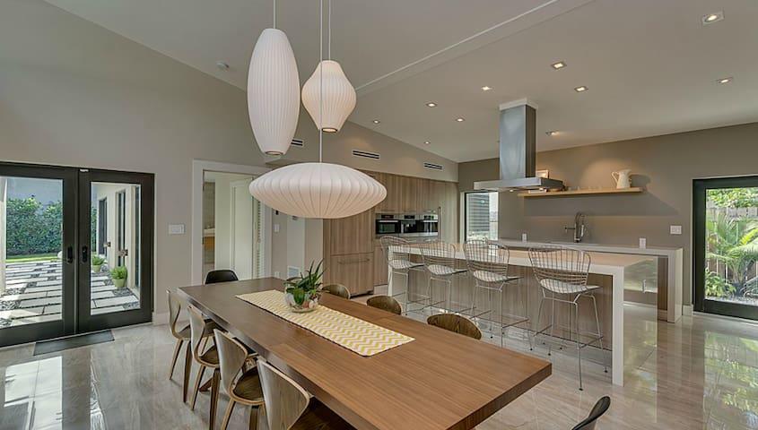 Brand New Mid Century Style Home - Miami Beach - House