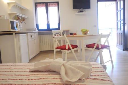 Accogliente taverna bella vista - Santa Croce Civo - Casa