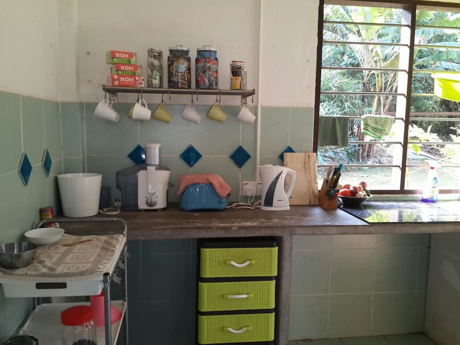 Fully equipped kitchen for guests with complimentary unlimited DIY selected food and beverages.