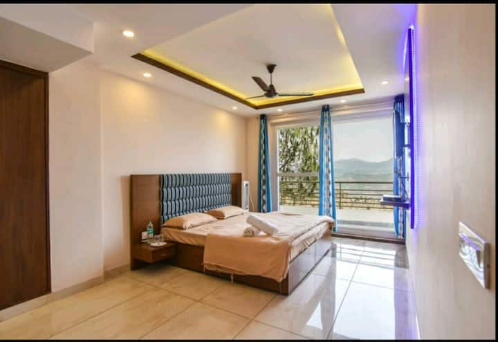 The Lalita's Pine Peak|Family Room|Private Balcony