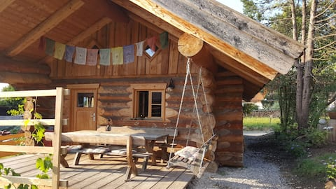 Gemütliches Blockhaus in den bayerischen Alpen.