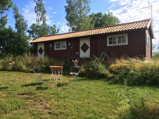 Countryside cottages at farm - Katrineholm - Kabin