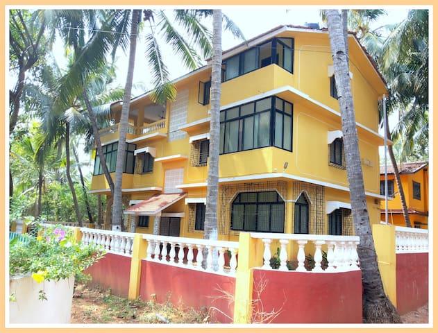 Shalom Guest House-Candolim,Goa AWK - แคนโดลิม - บ้าน