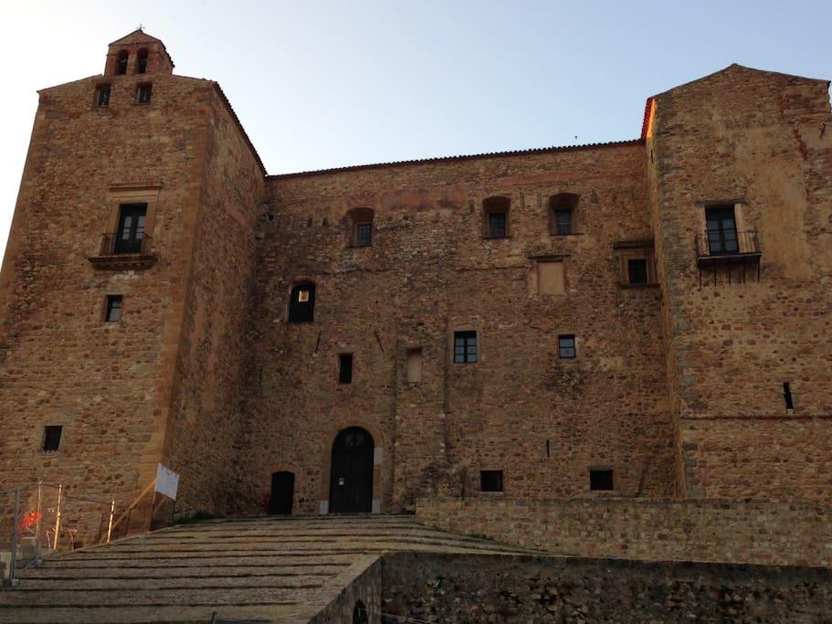 Il Castello dei Ventimiglia/Ventimiglia's Castle
