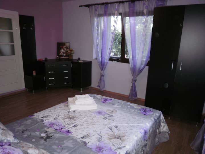 Adry's place, Maramures; 3 rooms, 3 bath