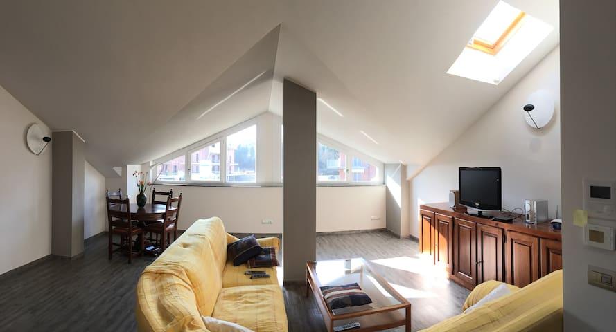 Apartamento de dos habitaciones - Asti - Loft