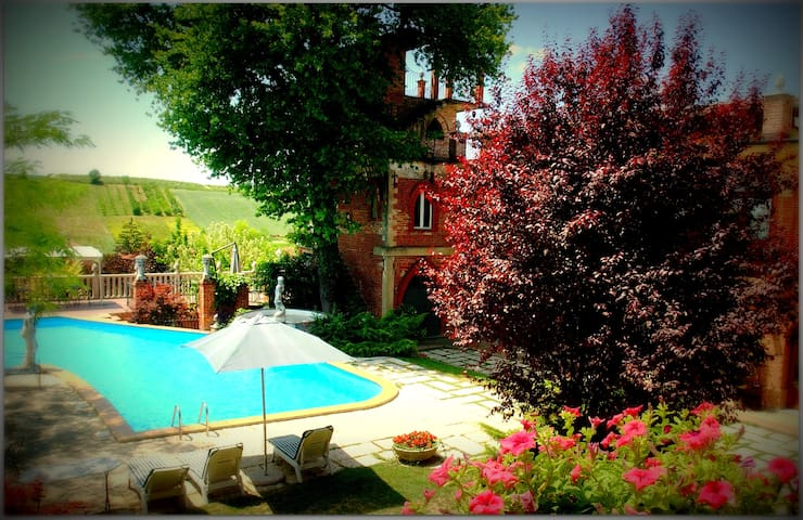Bed & Breakfast con piscina - Viarigi