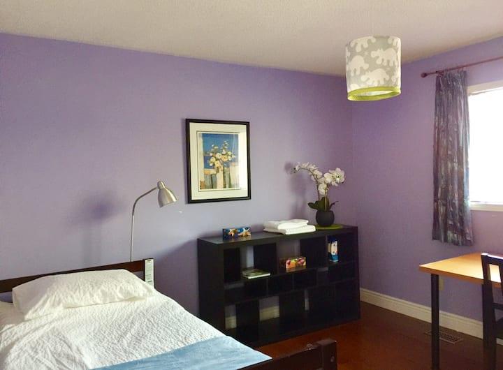 Bright Bedroom near Yonge St. in Richmond Hill