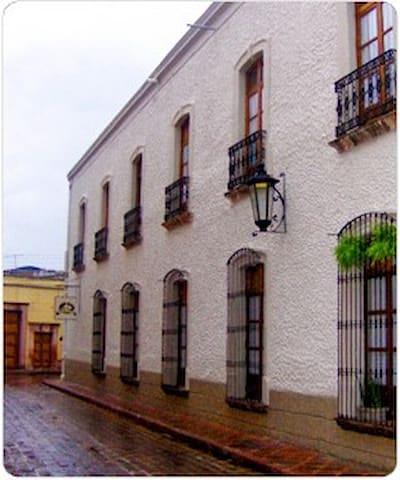 Casa Aspeytia Centro historico.
