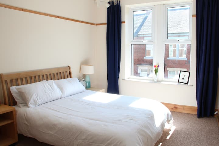 Lovely 2 bed Tyneside flat