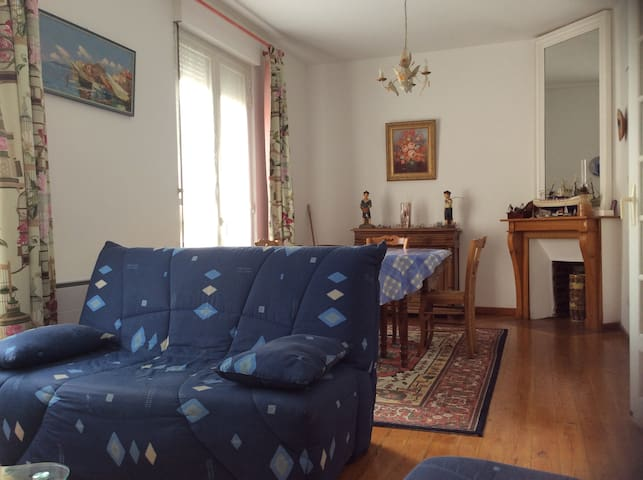 Bel appartement  authentique quartier balnéaire