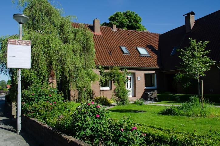 """Gästehaus """"An der Fehnroute"""" mit Frühstück"""