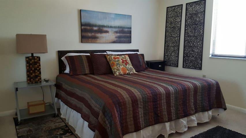 Cozy bedroom in west Palm Beach