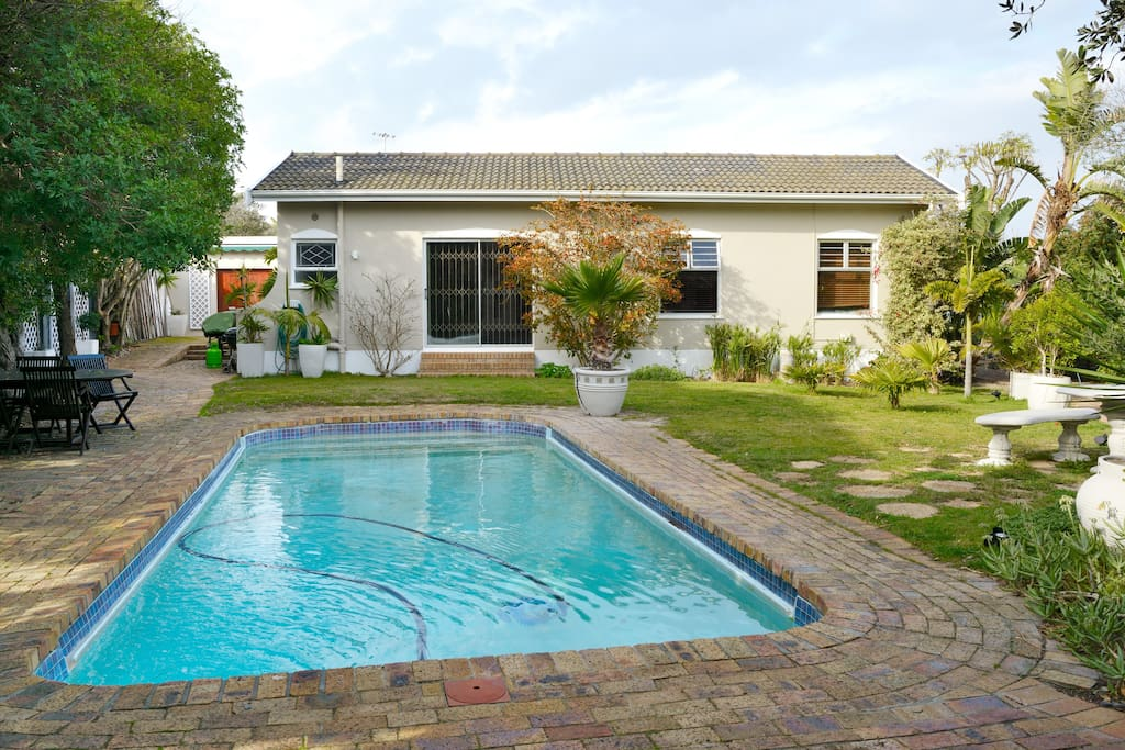 Walking Distance To The Beach Houses For Rent In Cape Town Wc South Africa