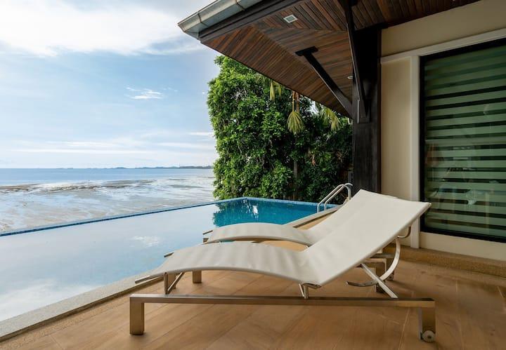 Baansakruk beachfront pool villa
