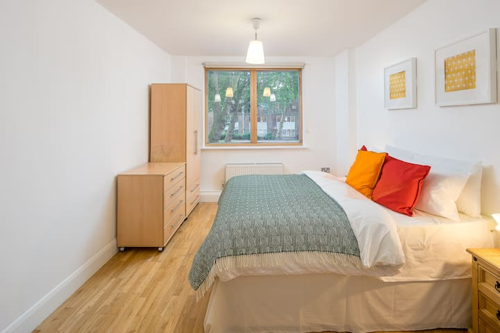 Spacious 2bed Flat London near Columbia Rd Mkt