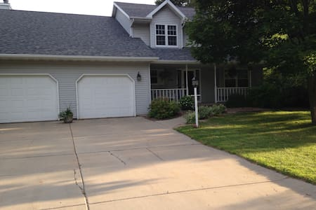 Wonderful large home great for a group.