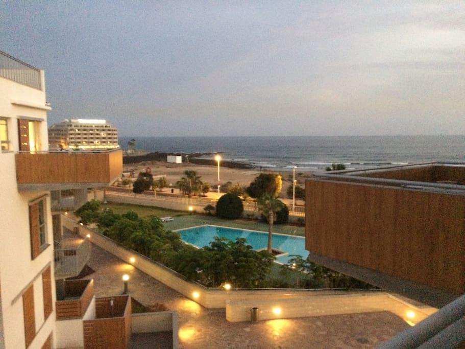 preciosas vistas del mar , la playa y la piscina Beautiful views of the sea, the beach and the pool