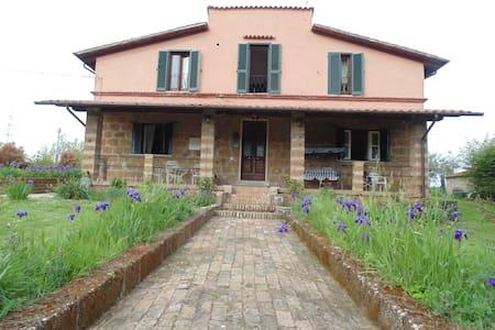 oasi di pace in terra  etrusca - Corchiano