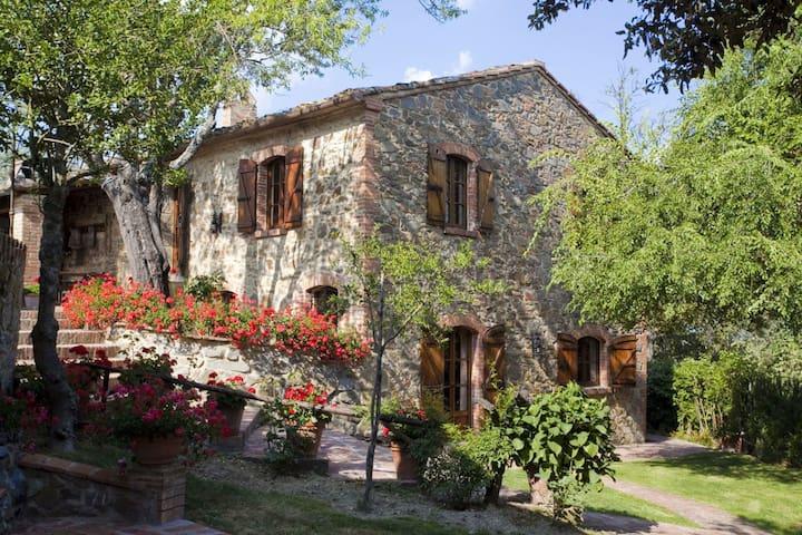 Il Meleto, sleeps 10 guests in Sinalunga - Sinalunga