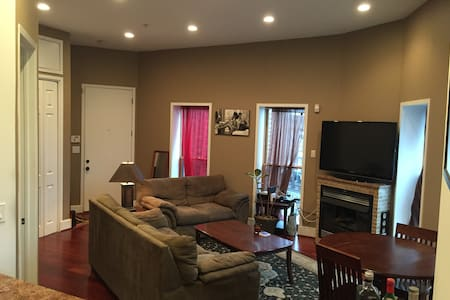Sunny 1 BR in Bloomingdale/Shaw - Washington - Apartment