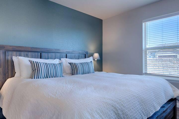 Master bedroom on main level.