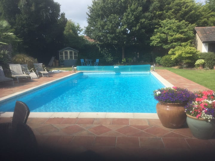 BRISTOL D/Room Heated Pool &Hot Tub