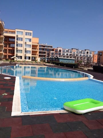 Апартаменты в трех минутах от моря - Sveti Vlas - Apartemen