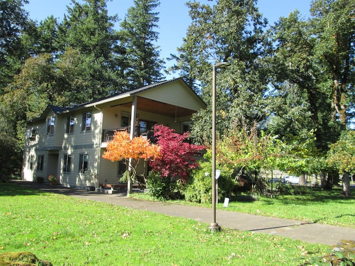Gorge SCENIC AREA-Hood River; AC! 35 min. PDX, 2W