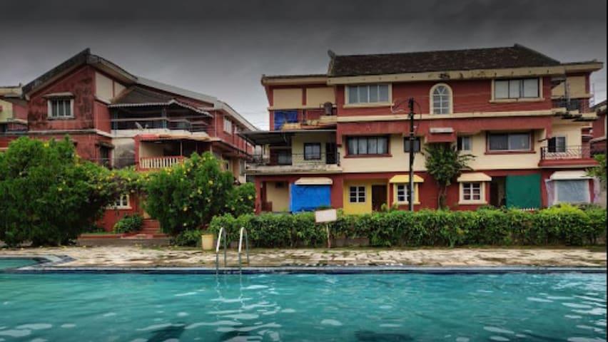Tour de India CJM Beachfront Apt with Pool & WiFi