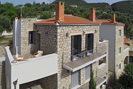 "Kitries Cove: stone seaview apartment ""Alcmini"""
