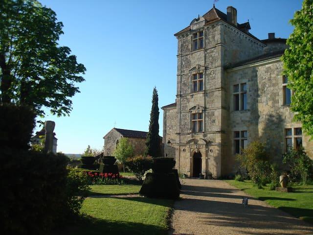 Château du Fréchou - Montpezat Suite - Fréchou - Linna