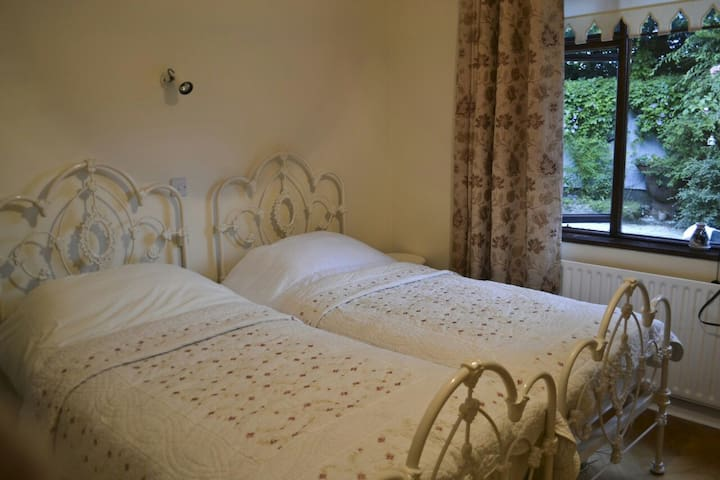 Charming Twin room in Meath