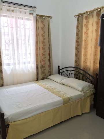 1 room with split aircondition