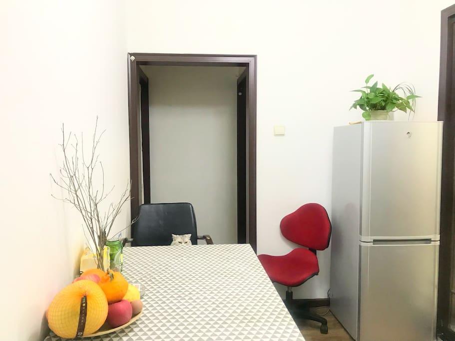 这是我们共同使用的客厅