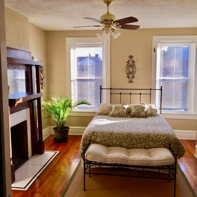 Spacious Apartments For Rent: Spacious Tower Grove South Apartment