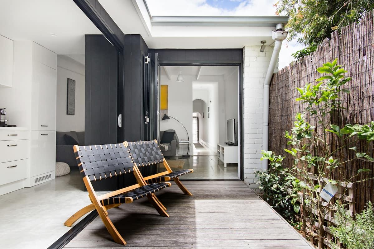 Luxury, Award-Nominated Heritage Cottage