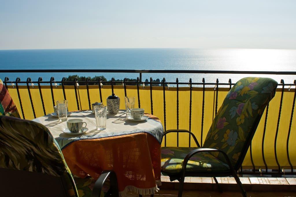 Balkon - balcony - balcone - balkon - балкон
