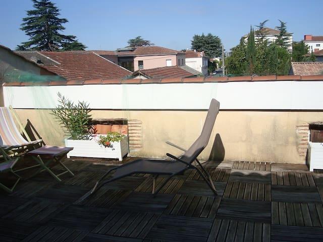 appartement privé dans maison de ville , - Villeneuve-sur-Lot - Hus