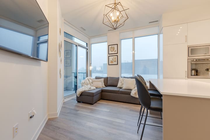 Luxury Downtown 2BR Condo - Fashion & Ent District