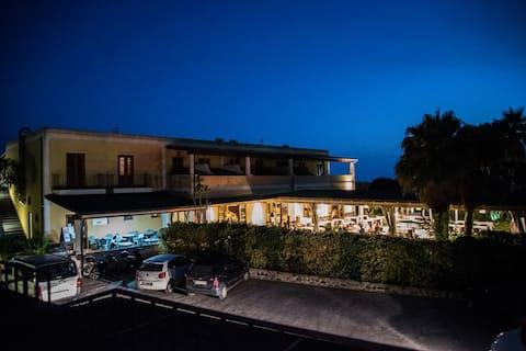 Eolian Residence con piscina, appartamento mono
