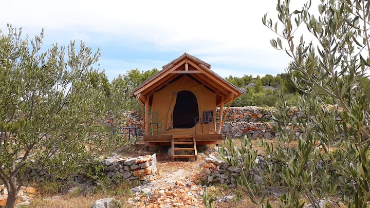"Glamping hut ""Mokos"" in olive grove with sea views"